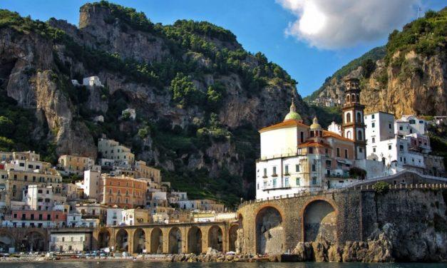 Santuario Santa Maria del Bando e la Grotta di Masaniello (Atrani)