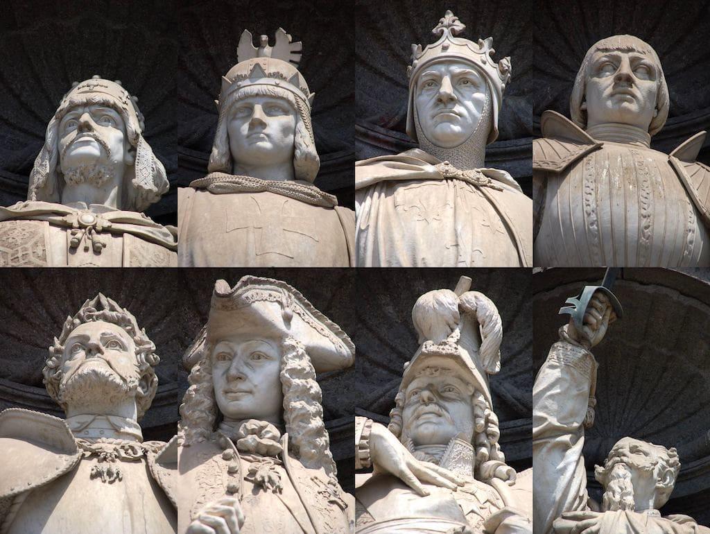 I re di Napoli, Palazzo Reale
