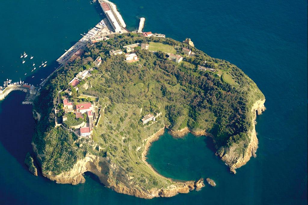 Isola di Nisida Vista dall'alto