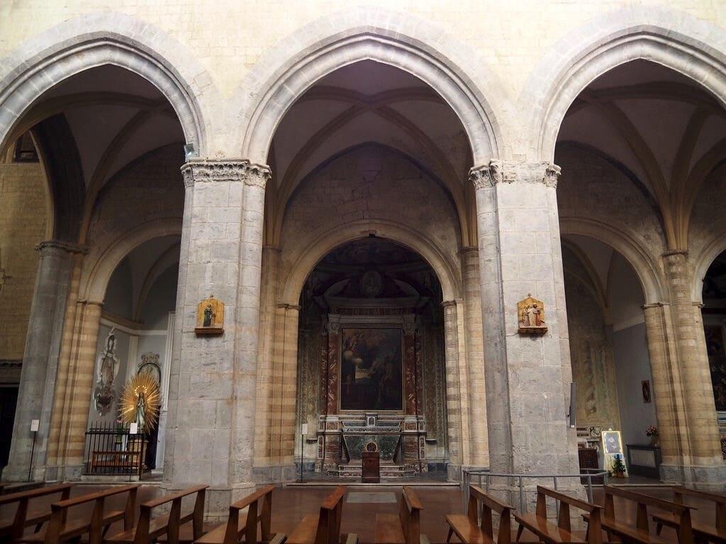InternoChiesa di San Pietro a Majella