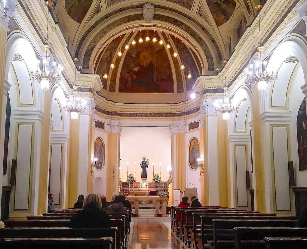 Sant'Antonio a Posillipo interno