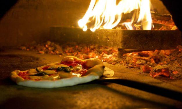 Giornata Mondiale del Pizzaiuolo alla Basilica di Santa Chiara a Napoli