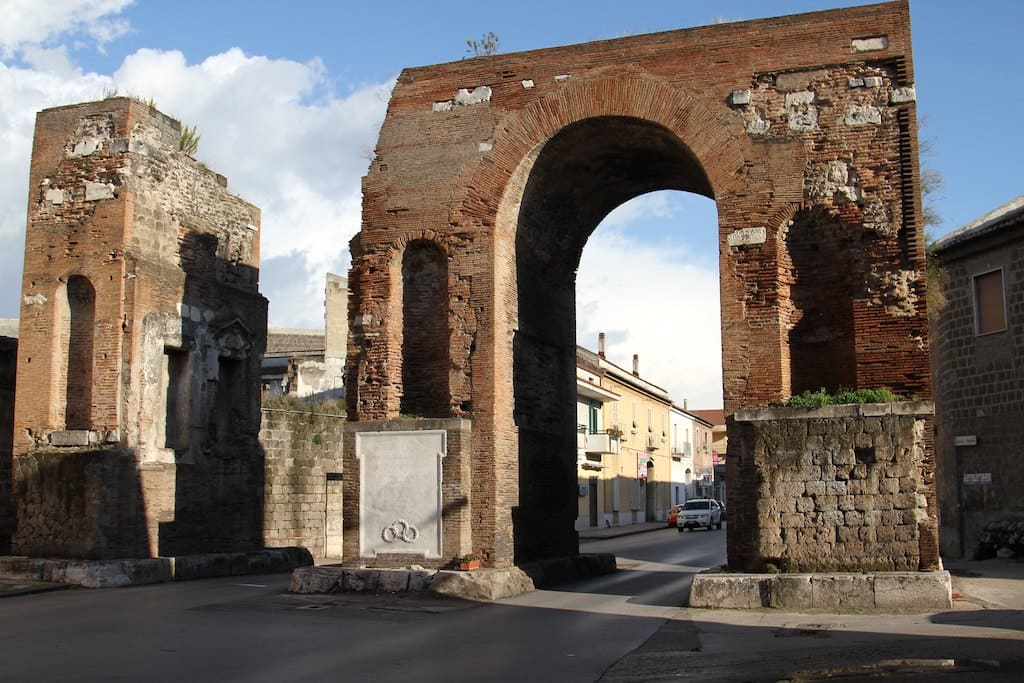 Arco Adriano Santa Maria Capua Vetere PH Giovanni Vastano