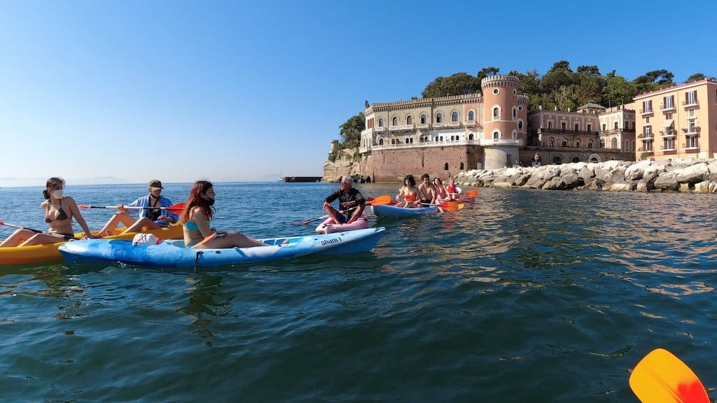 Kayak Posillipo, Villa Volpivcelli