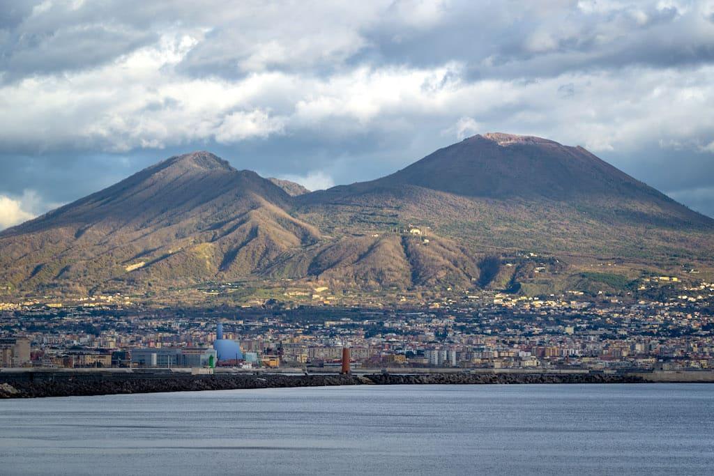 Vesuvio fotografato da @Simon Williamson